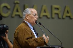 Lélio Falcão desta na tribuna a importância das doações ao Fundo Municipal do Idoso
