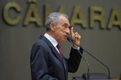 Período de Comunicações em homenagem ao jornalista Lauro José de Quadros, com a outorga da Comenda Porto do Sol. Na foto, jornalista Lauro José de Quadros.