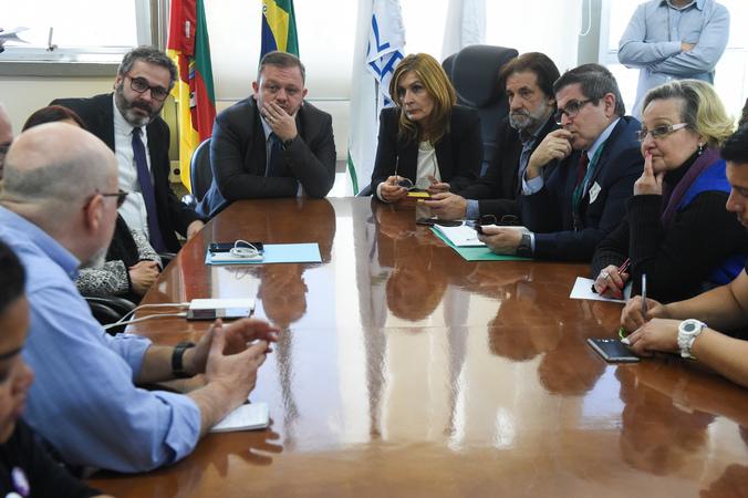 À tarde, vereadores voltaram a se reunir com representantes dos servidores do Imesf
