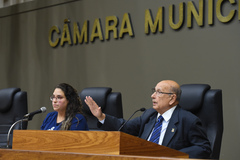 Meio passe estudantil foi o tema da Tribuna Popular nesta quinta-feira. Na foto, a presidente da Umespa, Vitória Cabreira, e presidente em exercício da CMPA, vereador Reginaldo Pujol.