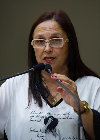 Vereadora Cláudia Araújo.