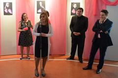 Vereadores participam de abertura da exposição Lenços da Esperança sobre Outubro Rosa no T Cultural. Na foto, presidente da Câmara Mônica Leal.