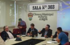 Votação de pareceres. Na foto: vereadores Adeli Sell, Márcio Bins Ely, Ricardo Gomes (president), Reginaldo Pujol e Mendes Ribeiro.
