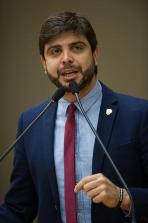 Vereador Felipe Camozzato.