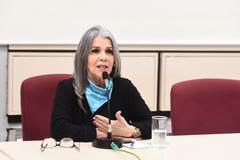 Reunião sobre rede municipal de atendimento à psoríase. Na foto, a presidente da Psoríase Brasil, Gládis Lima