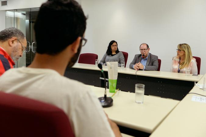 Comissão discute a implantação de novas atitudes frente a política do descarte e recolhimento de resíduos. Com a fala, Renê Souza, representando o DMLU.