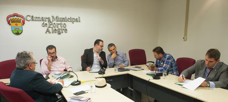 Contrução e obras das novas Unidades de Saúde.