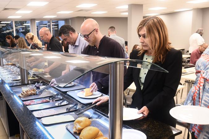 Café dos servidores públicos oferecido pelo Sindicâmara. Na foto, Presidente Mônica Leal .