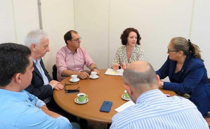 Vereadora participou de reunião com DNIT e SMAMS