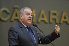 Movimentação de plenário. Na foto, vereador Idenir Cecchim.