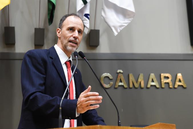 Movimentação de Plenário. Na foto: vereador Marcelo Sgarbossa