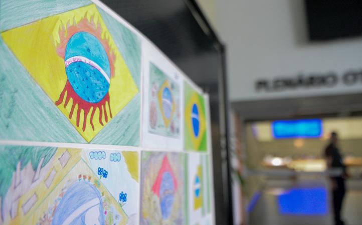 Exposição dos desenhos dos alunos da EMEF Afonso Guerreiro Lima.