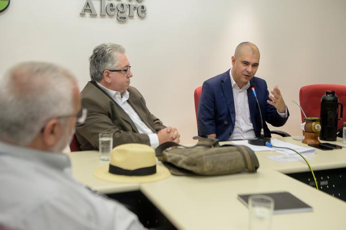 Oitivas da Comissão Especial de Prédios Abandonados. Na foto, com a fala, o vereador Luciano Marcantônio.