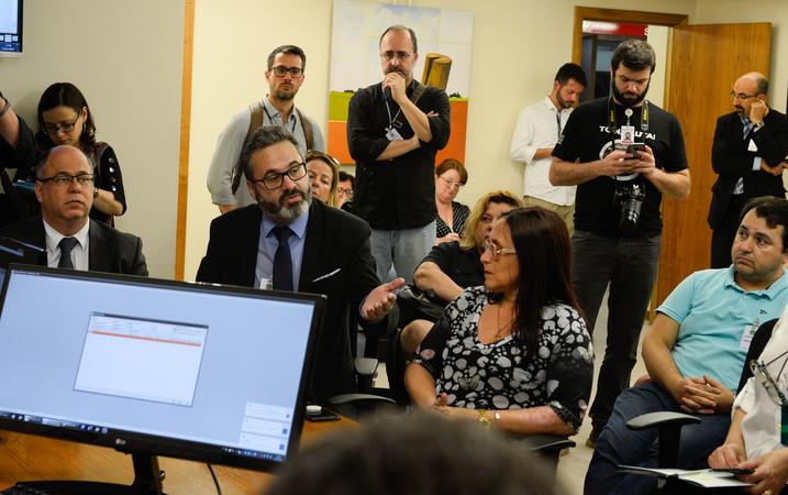 Comissão se reune com o TRT-4 e demais representantes para debater sobre a situação do IMESF. Com a fala o vereador Roberto Robaina.