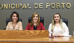 Período de Comunicações Temático para apresentação do trabalho desenvolvido pela Delegacia de Proteção ao Idoso de Porto Alegre. Na foto, as vereadoras Comandante Nádia e Mônica Leal com a delegada Cristine Pires Ramos