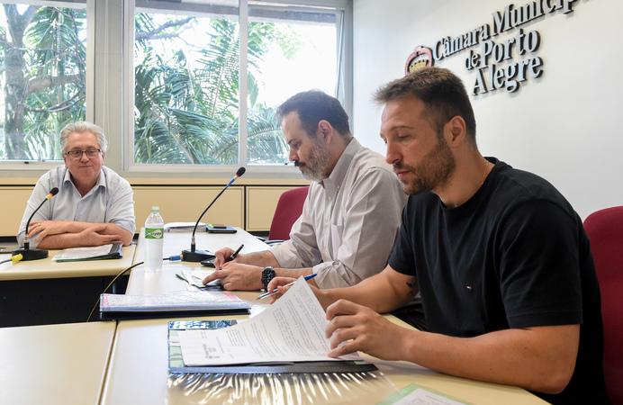 Comissão recebe os servidores da PROCEMPA.