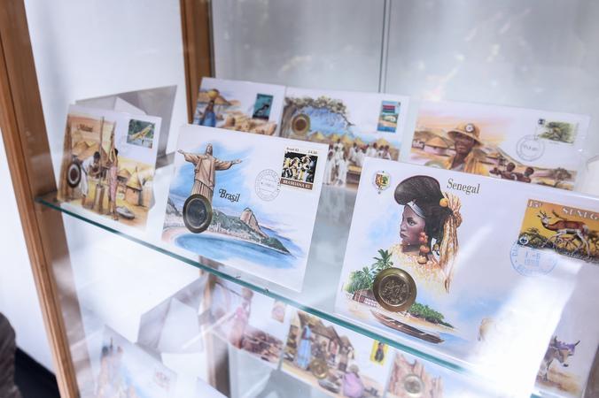 Exposição Fronteira do Baú.