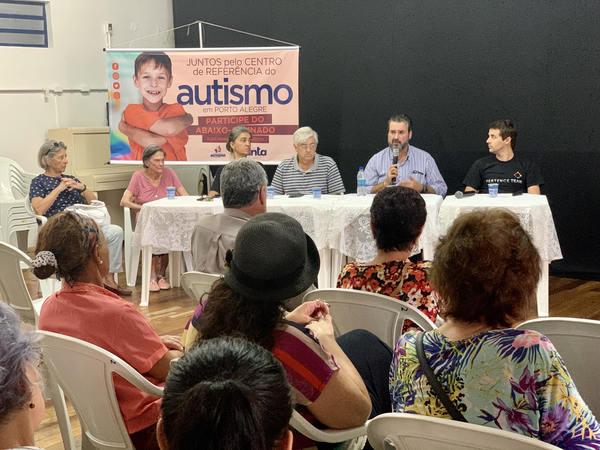 Encontro da APAE do bairro Glória marcou a primeira reunião ordinária externa da Frente do Autismo