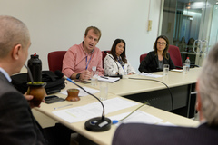 Comissão Especial de Prédios Abandonados debate a gestão dos órgãos municipais. Na foto, com a fala, o Sr. Marcelo Ritter.