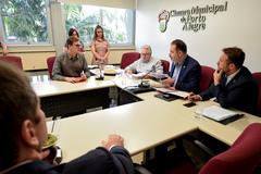 CCJ discute a regularização do registro do Porto Seco.Na foto, o Sr. Piero Locatelli Todeschini, arquiteto do Sport Club Internacional, compondo a mesa ao lado dos vereadores da comissão.