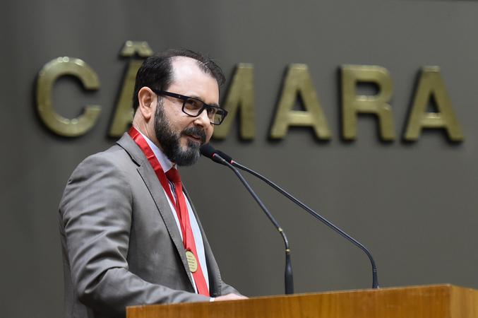 Sessão Solene de outorga do Título de Cidadão de Porto Alegre a Emerson Wendt. Na foto, o homenageado