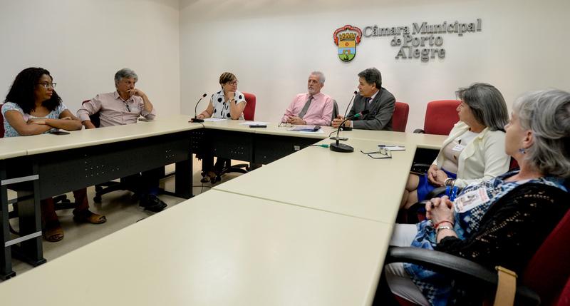 Comissão pauta as alterações no Plano de Carreira do Magistério Público Estadual no Estatuto do Servidor Público do Rio Grande do Sul e na Previdência Estadual. Com a fala, o vereador Cassiá Carpes.