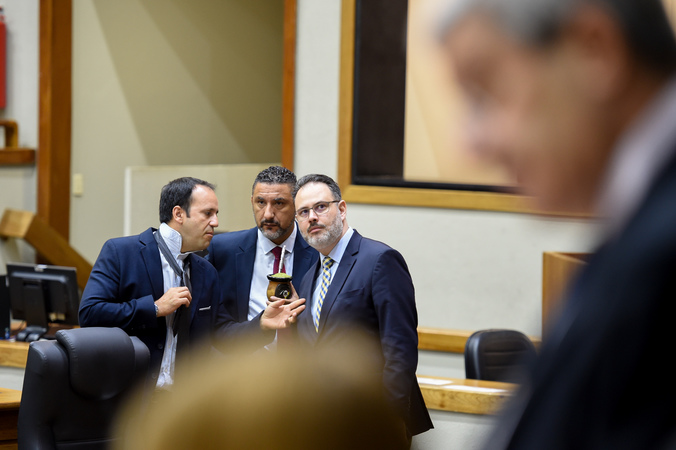 Reunião conjunta das comissões para votação de projetos e retomada do projeto do Orçamento 2020. Na foto, os vereadores Ricardo Gomes, Cláudio Conceição e Moisés Barboza.