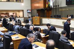 Vereadores votam projetos do Executivo em sessão extraordinária