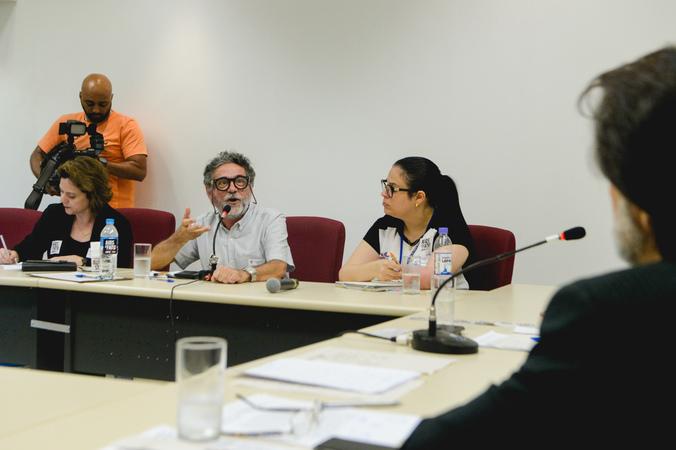 Comissão debate o contexto epidemiológico e politicas públicas para o enfrentamento da HIV/AIDS. Com a fala, o Sr. Carlos Duarte, representando a GAPA-RS.
