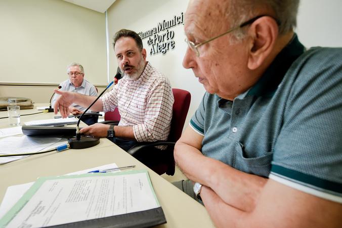 CCJ - Reunião da Comissão de Constituição e Justiça para apreciação de pareceres e aprovação de redações finais. (Foto: Elson Sempé Pedroso/CMPA)