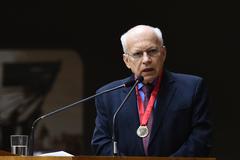 Professor Cezar Saldanha Souza Júnior é Cidadão de Porto Alegre