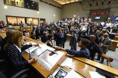 Plenário Otávio Rocha é o local de debates e votações no Legislativo de Porto Alegre