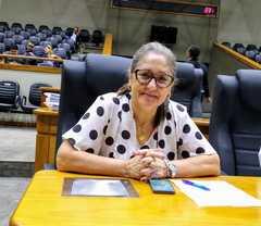 Vereadora Lourdes na reunião da CPI