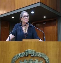 Vereadora Lourdes Sprenger em Plenário