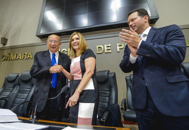Sessão Especial de Posse do vereador Reginaldo Pujol. Na foto, ao lado do novo Presidente, a vereadora Mônica Leal e o Prefeito Nelson Marchezan.