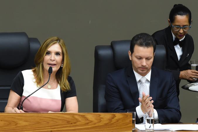 Sessão Especial de Posse do vereador Reginaldo Pujol. Na foto, a vereadora Mônica Leal e o Prefeito Nelson Marchezan.