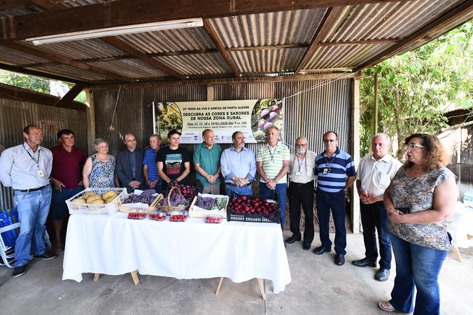 Presidente Reginaldo Pujol participa da abertura da Festa da Uva e da Ameixa