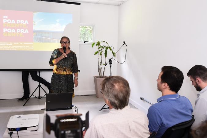 Presidente em exercício Lourdes Sprenger participa do ato de lançamento do edital do termo de colaboração para gerenciamento da Unidade de Saúde Animal Victória.