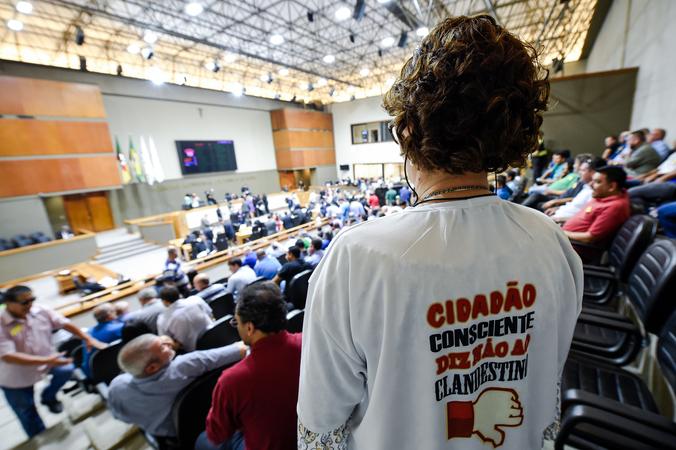 Votação do projeto de lei que regulamenta os aplicativos no transporte de passageiros em Porto Alegre.