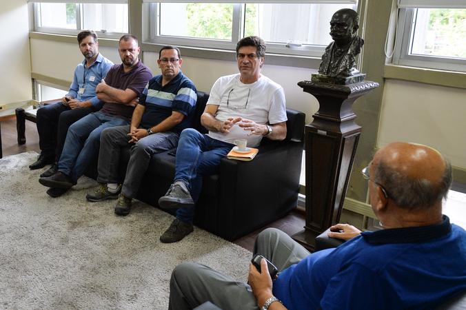 Presidente da Câmara Reginaldo Pujol reúne-se com secretário municipal da Cultura Luciano Alabarse.