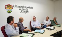 Reunião de abertura da CEFOR. Vereadores Valter Nagelstein, Presidente Reginaldo Pujol, Idenir Cecchim, Airto Ferronato e João Carlos Nedel.
