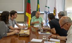 Pujol recebeu trabalhadores da Procempa nesta quarta