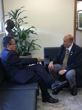 Presidente Reginaldo Pujol recebe a visita do 2° vice presidente do CREA RS senhor Francisco Carlos Bragança de Souza.