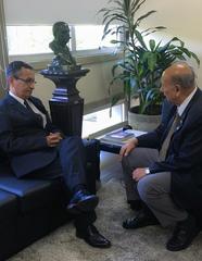Souza e Pujol conversaram sobre a possibilidade de convênio entre Legislativo e CREA-RS