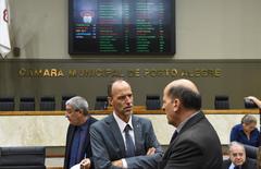Movimentações no Plenário. Na foto: vereador Marcelo Sgarbossa (c)