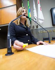 Movimentações no Plenário. Na foto: vereadora Monica Leal discursa na tribuna.