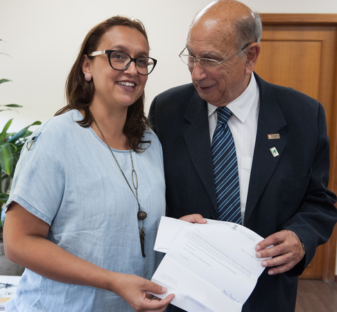 Presidente Reginaldo Pujol recebe a visita da vereadora Claudia Jardim da cidade de Guaiba.
