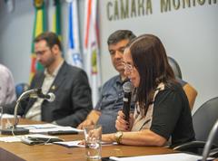 Audiência Pública de apresentação do Relatório de Gestão da Saúde, em âmbito municipal, do 3º Quadrimestre de 2019. Com a fala, a vereadora Cláudio Araújo.