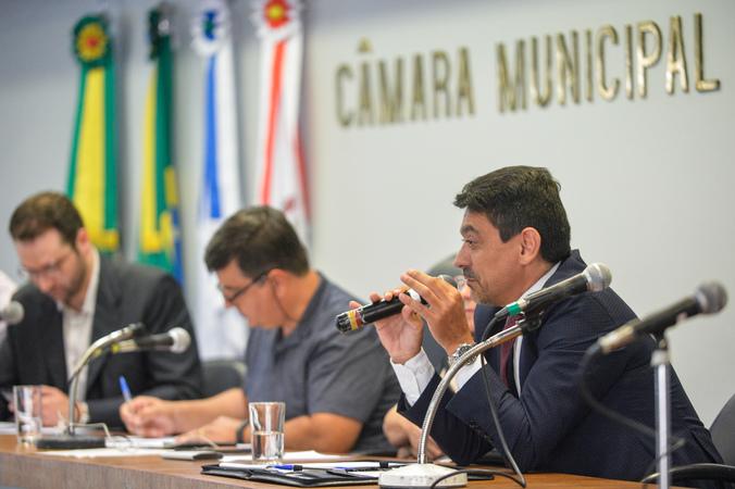 Audiência Pública de apresentação do Relatório de Gestão da Saúde, em âmbito municipal, do 3º Quadrimestre de 2019. Com a fala, o Advogado da Comissão de Saúde da OAB Cássio Martinez.
