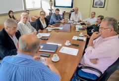 Presidente Reginaldo Pujol coordena a reunião da Mesa Diretora.